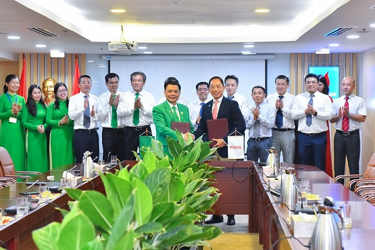 PVOIL and Mai Linh Corp. reached an agreement on the supply and use of each other's products and services
