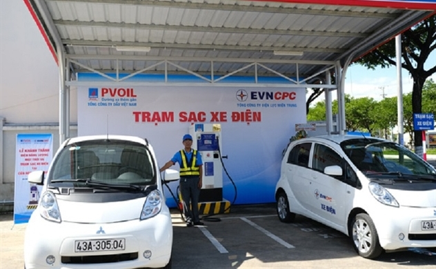 PVOIL opens Vietnam's first electric car charging stations at petroleum stations